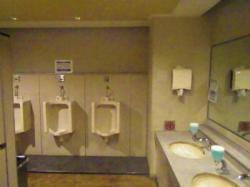 男子トイレ施工前