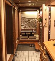 カウンター席の奥には、個室もあり。