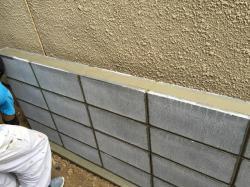 ブロック塀の積み直し