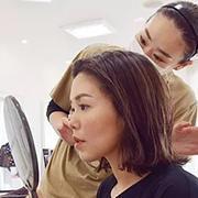 ヘアメイク 顔を髪を創るプロフェッショナル