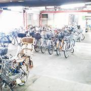 駐輪場がある自転車屋