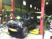 車検や修理・鈑金塗装・各種保険取り扱いも行っております。
