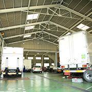 地域最大規模の指定工場(民間車検場)